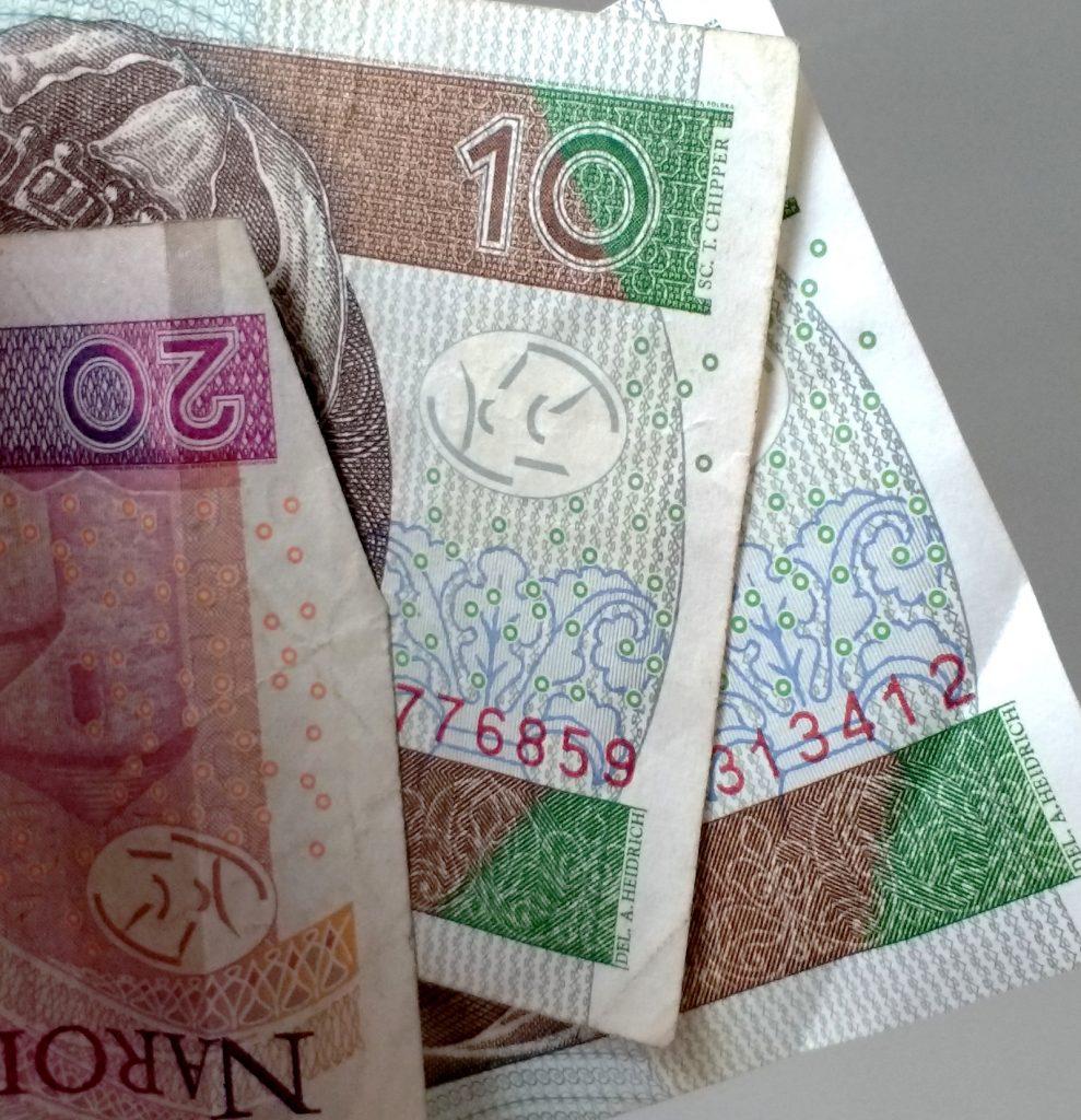Symbole blokujące kopiowanie banknotów.